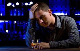 Алкоголизм вызовет переедание
