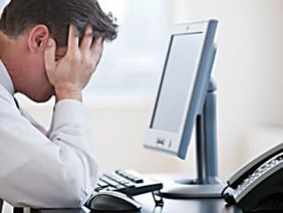 Люди, находящиеся по долгу за компьютером более склонны к депрессии