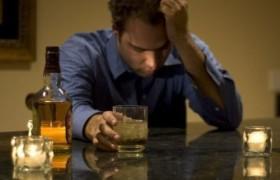 Россияне предпочитают снимать стресс алкоголем