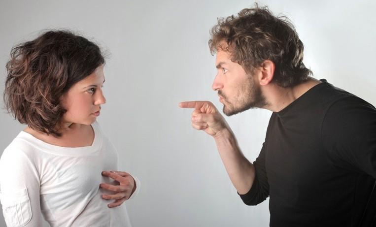 Мужчины более эмоциональны, чем женщины
