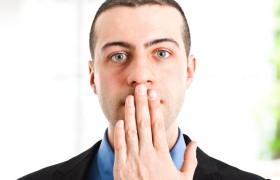 Почему утром дурно пахнет изо рта и как с этим бороться