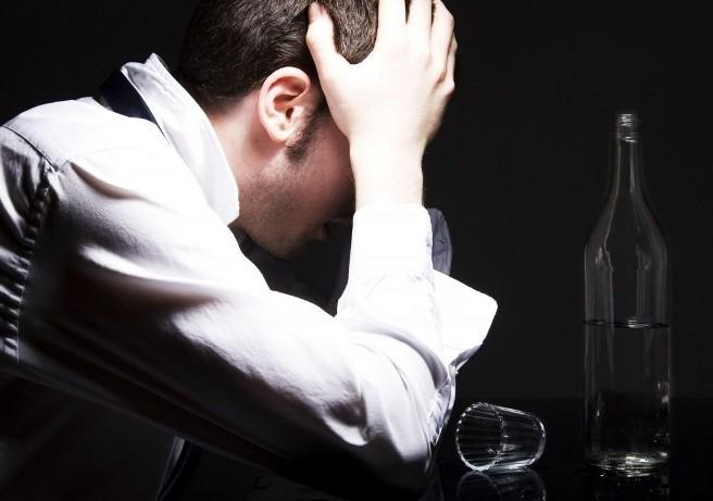 Алкоголизм будут диагностировать еще во младенчестве