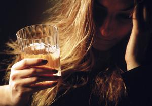 Строгие диеты могут довести до алкоголизма