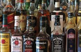 На бутылках с алкоголем, по аналогии с сигаретными пачками, вскоре могут появиться устрашающие картинки