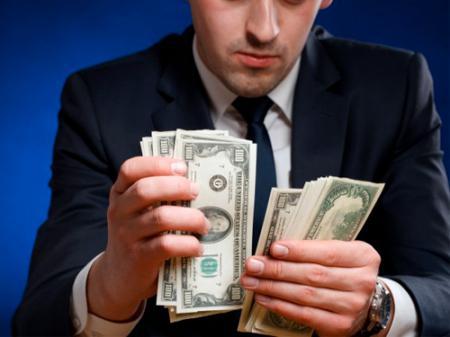 Ученые определили основные реакции человека при виде денег