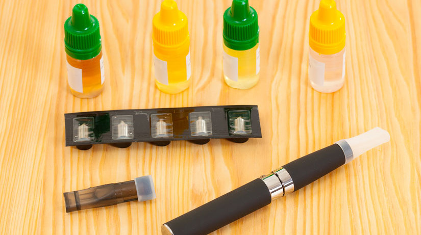 Франция начинает продажи электронных сигарет с коноплей