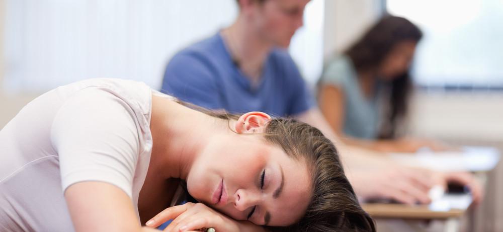 Нехватка сна является причиной суицида