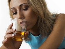 Даже небольшие дозы алкоголя негативно сказываются на здоровье печени