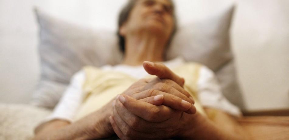 Чтение защитит от болезни Альцгеймера
