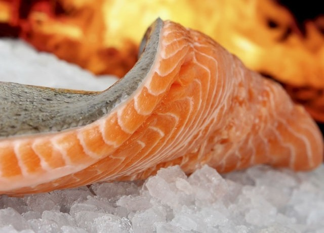 Рыбные продукты в рационе питания избавят от стресса