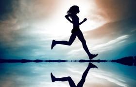 Снижение скорости ходьбы может быть симптомом развития болезни Альцгеймера