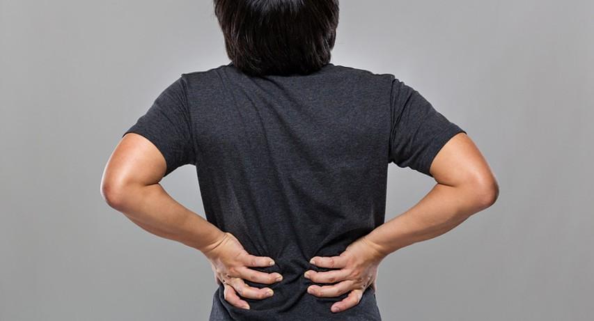Депрессия может стать причиной развития болей в спине