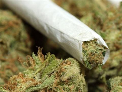 Курение марихуаны увеличивает риск развития шизофрении