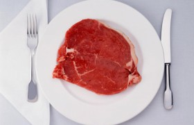 Красное мясо увеличивает риск развития болезни Альцгеймера
