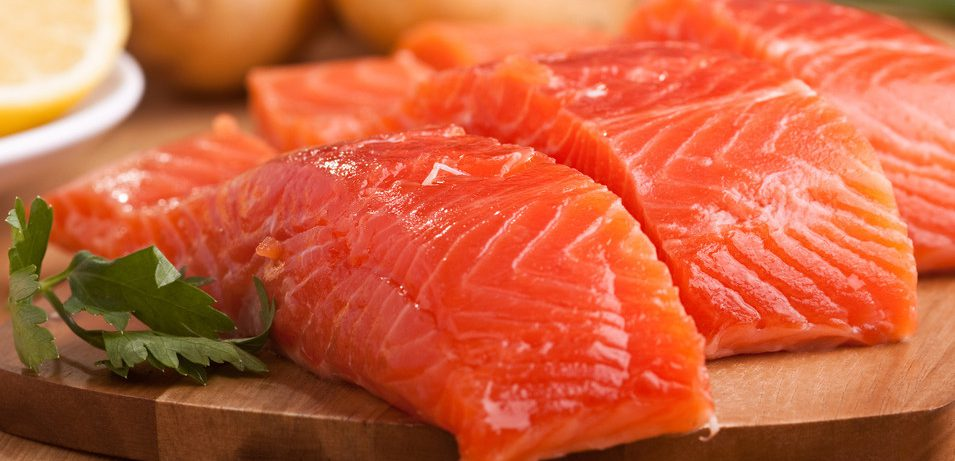 Жирная рыба способна защитить от развития психических расстройств