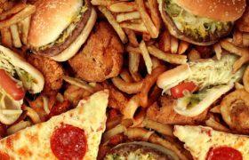 Жирная пища негативно сказывается на здоровье психики