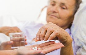 Ученые из России создают препарат для борьбы с болезнью Альцгеймера