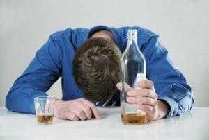 Алкоголь перед сном вызывает бессонницу