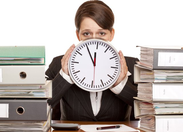 Длинный рабочий день и большая нагрузка вызывают депрессию