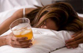 Почему нельзя употреблять алкоголь перед сном