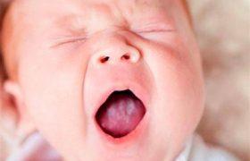 «Молочница» у младенцев — особенность кандидоза слизистой рта
