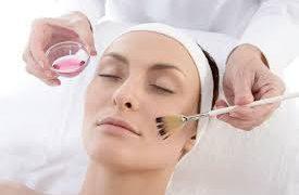 Современные салонные процедуры по уходу за кожей и волосами, способные превратить любую девушку в королеву