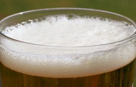 Пить алкоголь залпом опасно для сердца