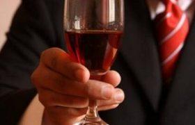 Алкоголизм ведет к разрушению здоровых клеток