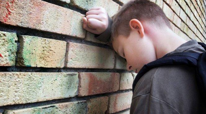 Как отличить плохое настроение подростка от депрессии