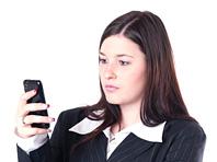 Зависимость человека от смартфона имеет негативные последствия для окружающих