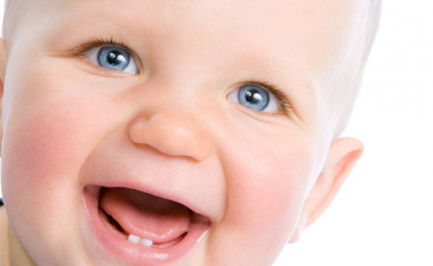 Почему важно ухаживать за молочными зубками