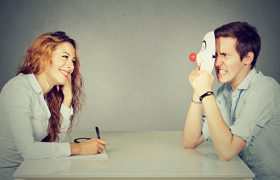 Как распознать интроверта: 9 советов психолога