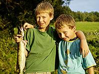 Психологи доказали, что второй ребенок в семье запрограммирован на плохое поведение