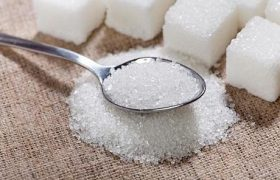 Как чрезмерное потребление сахара влияет на психику