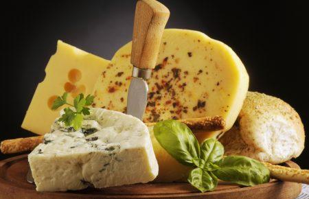 Сыр снижает стресс и продлевает жизнь
