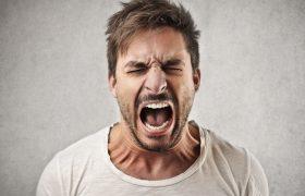 Страх и гнев повышают аппетит, а грусть – снижает
