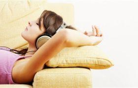 Приятная музыка перед сном делает человека добрее