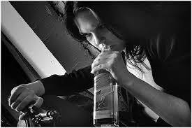 Необщительность — аналогична курению и алкоголизму
