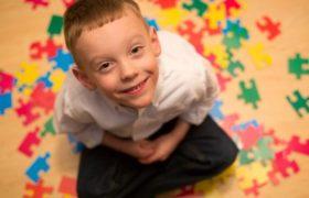 Аутизм у ребёнка. Что делать?