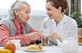 Чем больше люди узнают о домах престарелых, тем больше опасаются за свою судьбу