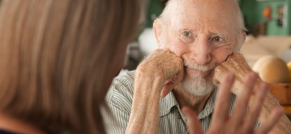 Хорошие отношения в семье спасут от деменции