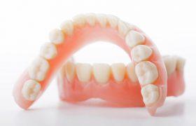 Стоматология. Как ухаживать за зубными протезами?