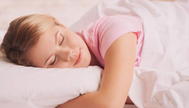 Опасные остановки дыхания во сне происходят у большинства