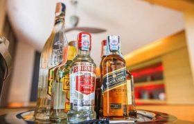 Почему женщинам стоит отказаться от алкоголя