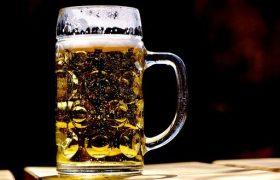 Названа доза алкоголя, сокращающая жизнь на 6 месяцев