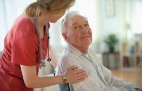 Помощника для ухода за пожилым человеком