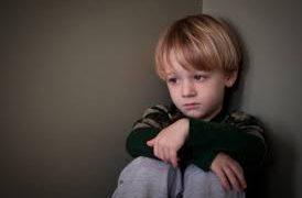 Детская депрессия: как распознать и что делать