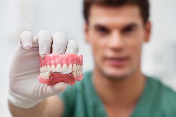 Протезирование зубов в Хэйхэ: цены и отзывы пациентов