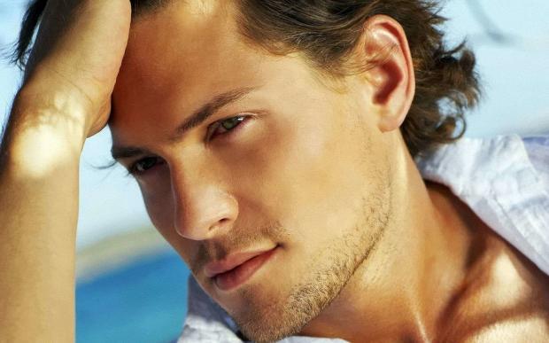 Недостатки мужчины по цвету его глаз: любопытные наблюдения психологов