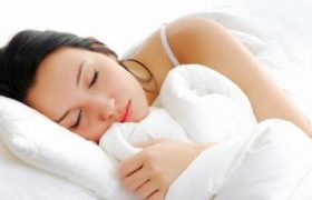 Ученые выяснили, что сон свыше 8 часов в сутки повышает риск смерти